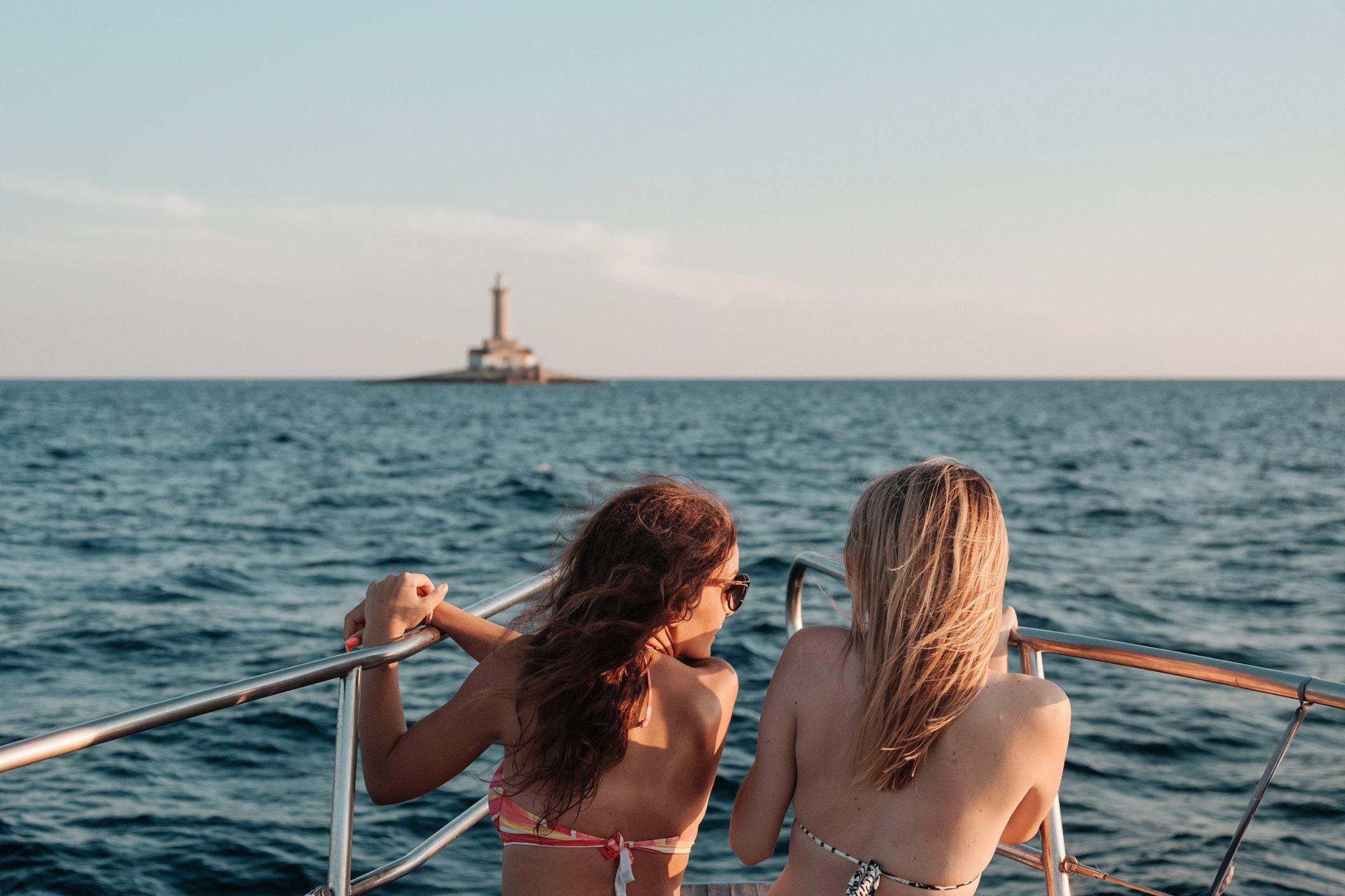 Kamenjak, lighthouse Porer, swimming
